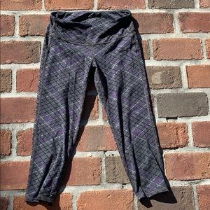Athleta size small Capri leggings